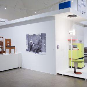 Blick in die Ausstellung Revolution in Rotggelbblau, Entwürfe von Gerrit Rietveld © VG Bild-Kunst, Bonn 2017