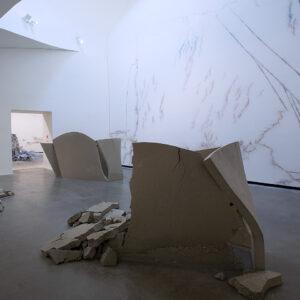Blick in die Ausstellung Der Fremde Raum, Christoph Weber: Redeveloped View, 2016 © Der Künstler