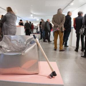 Blick in die Ausstellung Brutal Schön, Eröffnung, 2016
